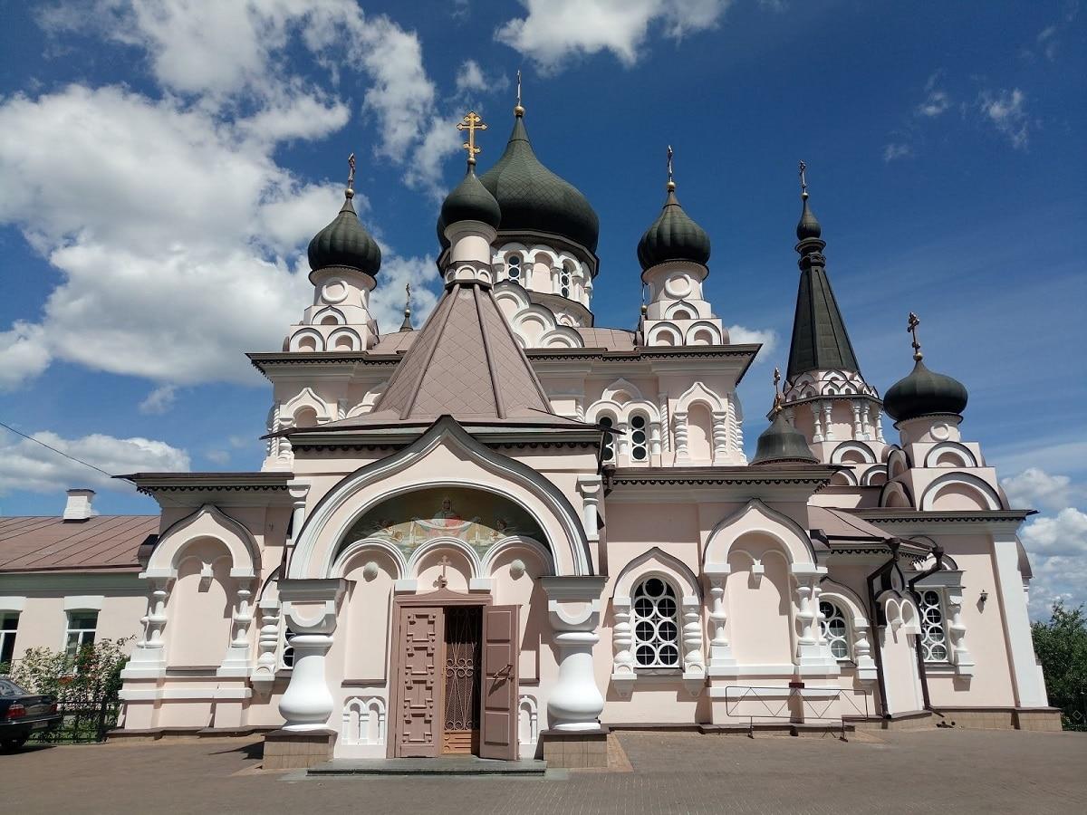 St. Pokrovsky Manastırı Kiev - Pokrovsky Manastırı Ulaşım - Pokrovsky Manastırı Bilet Fiyatı- Kiev Gizli Yerler